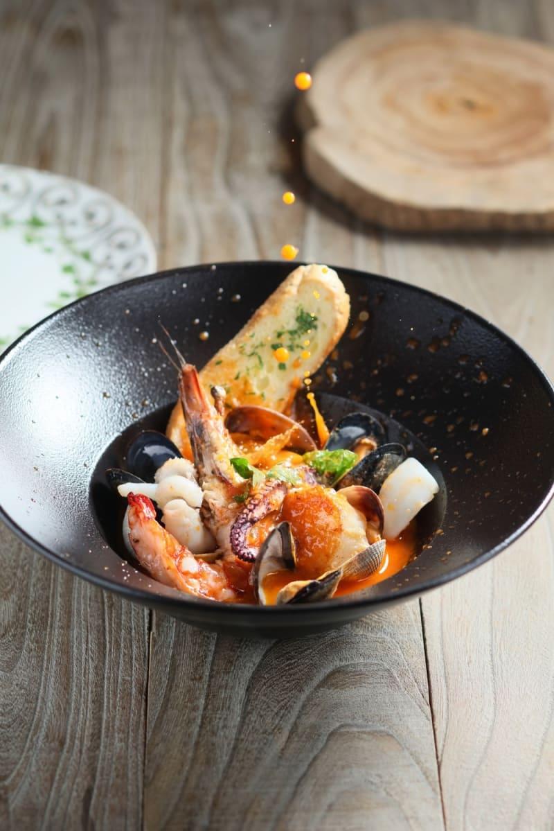 Seafood casserole Livornese style