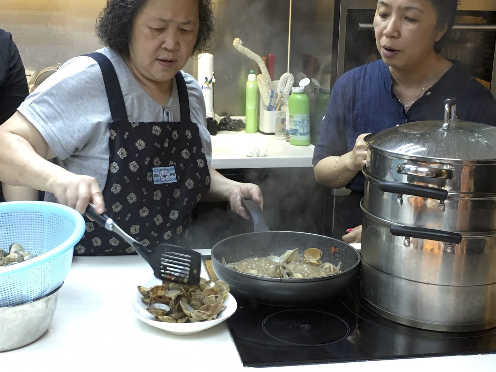 Hong Kong street food with wine