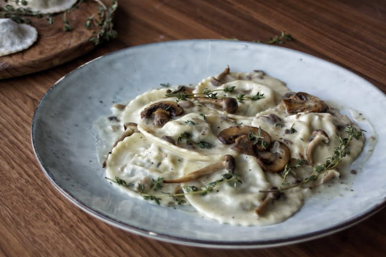 Creamy thyme & mushroom ravioli