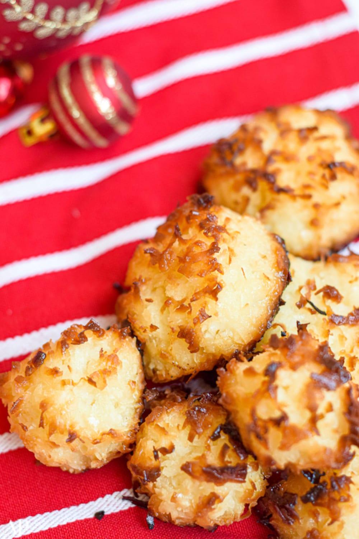 Coconut custard macaroons