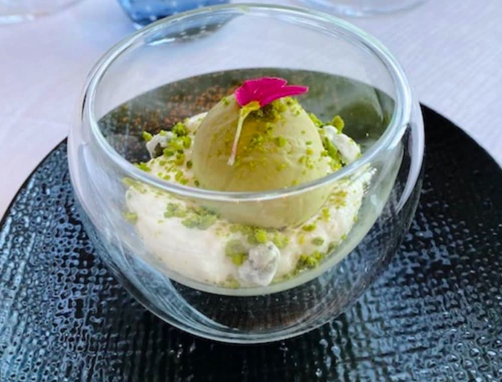Almond cloud and pistachio ice cream