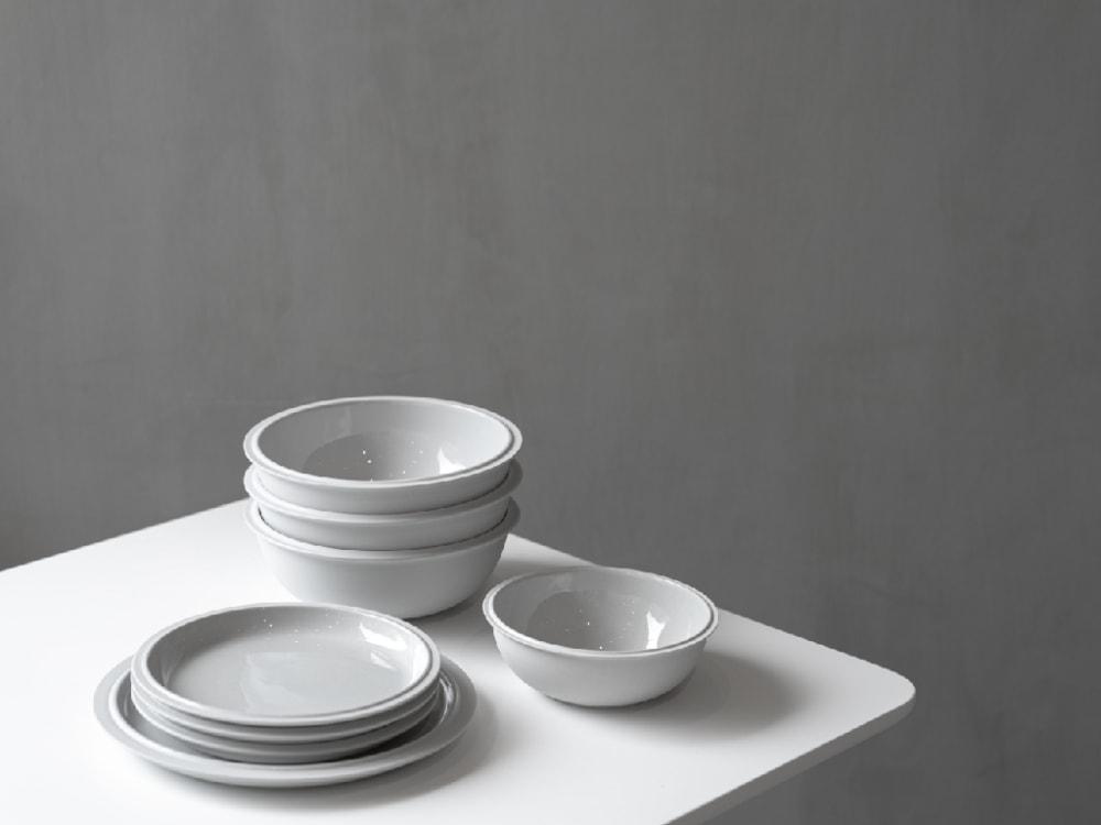Bomshbee tableware
