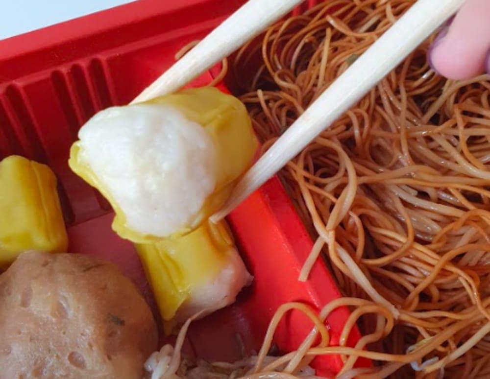 Siu mai and fried noodles