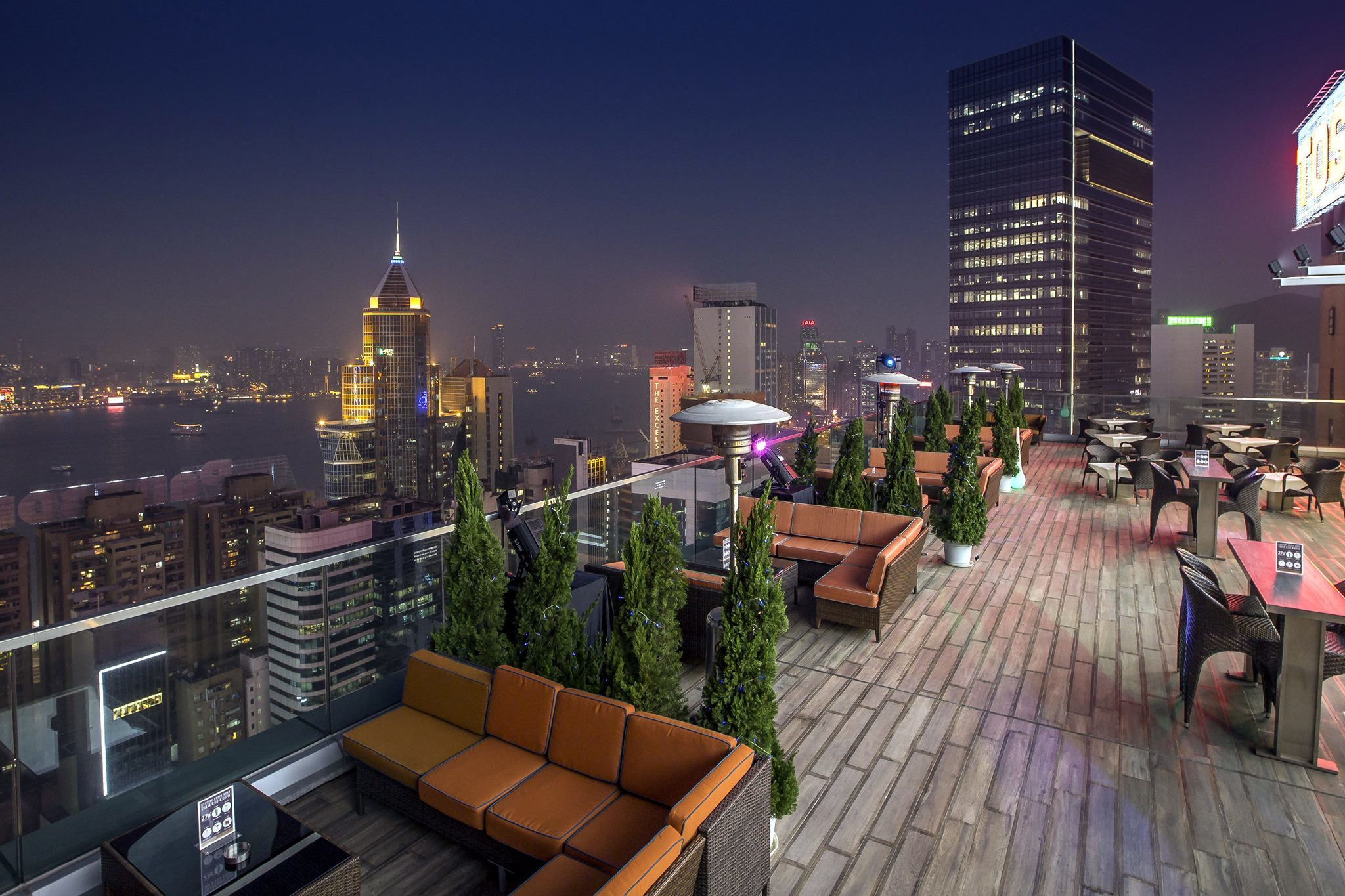 270 Degrees Rooftop Bar by Harlan Goldstein