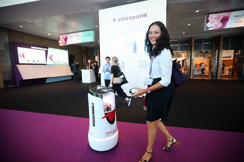 Robot waiter protype at Vinexpo Hong Kong (credit: Alibaba)