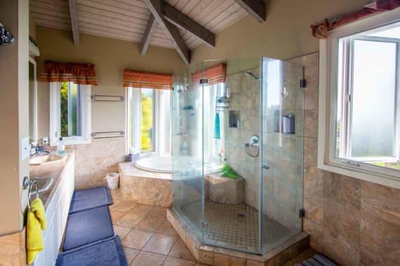 Bathroom-1-hawaii-island-recovery