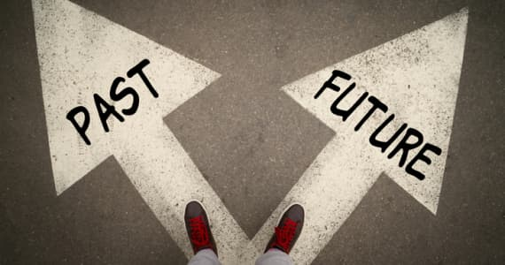 Future or past decision at a crossroad