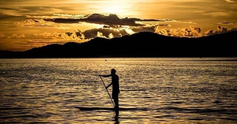 Paddle Boarding | Hawaii Island Recovery