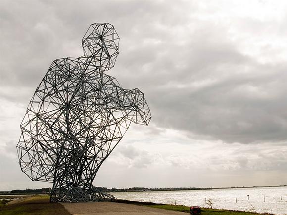 Antony Gormley, Hurkende man, 2010, Lelystad