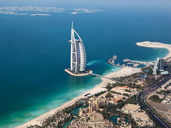 Tom Wright of WKK Architects, Burj Al Arab, 1994-1999, Dubai. Foto: Sam Valadi, 2012 (via Flickr Photo Sharing)_groot