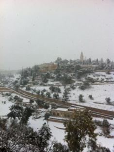 Jerusalem under snow image