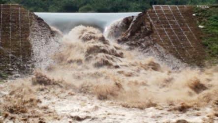 dam breaking image
