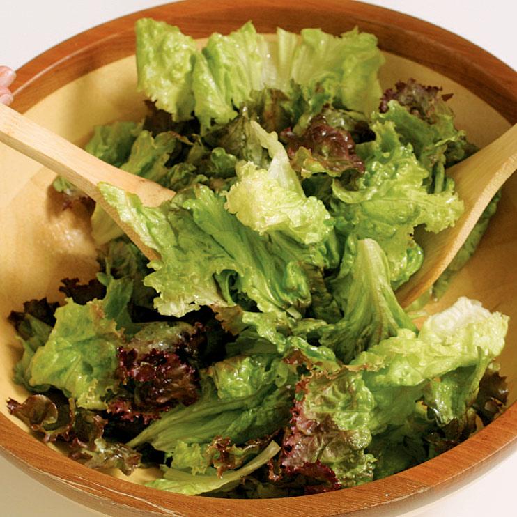 Basic Tossed Green Salad America S Test Kitchen