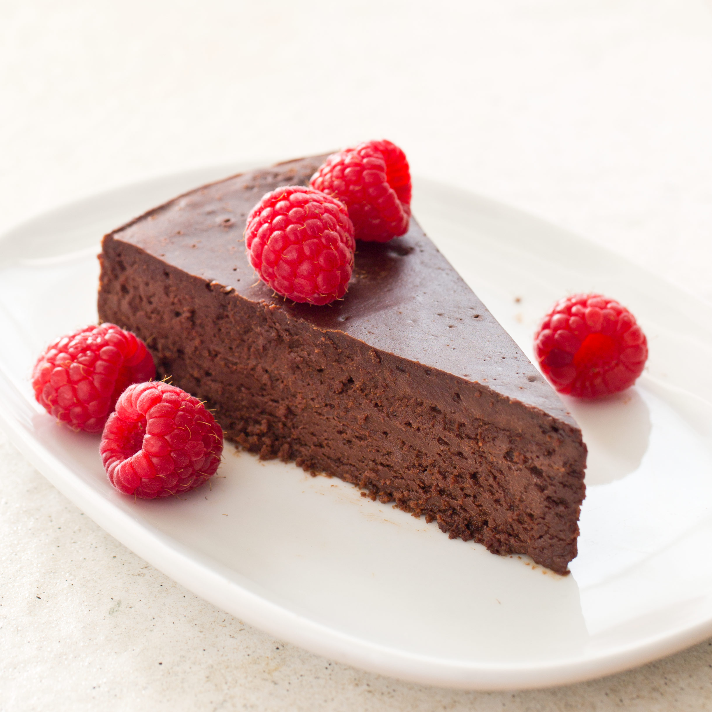 The Ultimate Flourless Chocolate Cake Cook S Illustrated