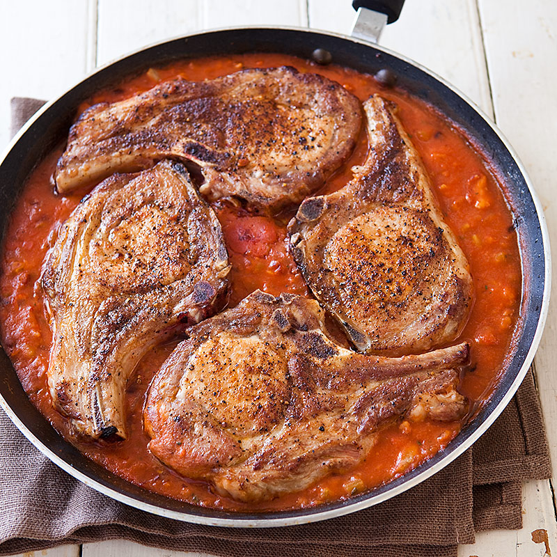 pork chops with tomato gravy cooks country Pork Chops with Tomato Gravy