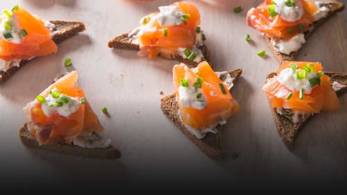 How To Cure Salmon At Home And Make Gravlax The Perfect