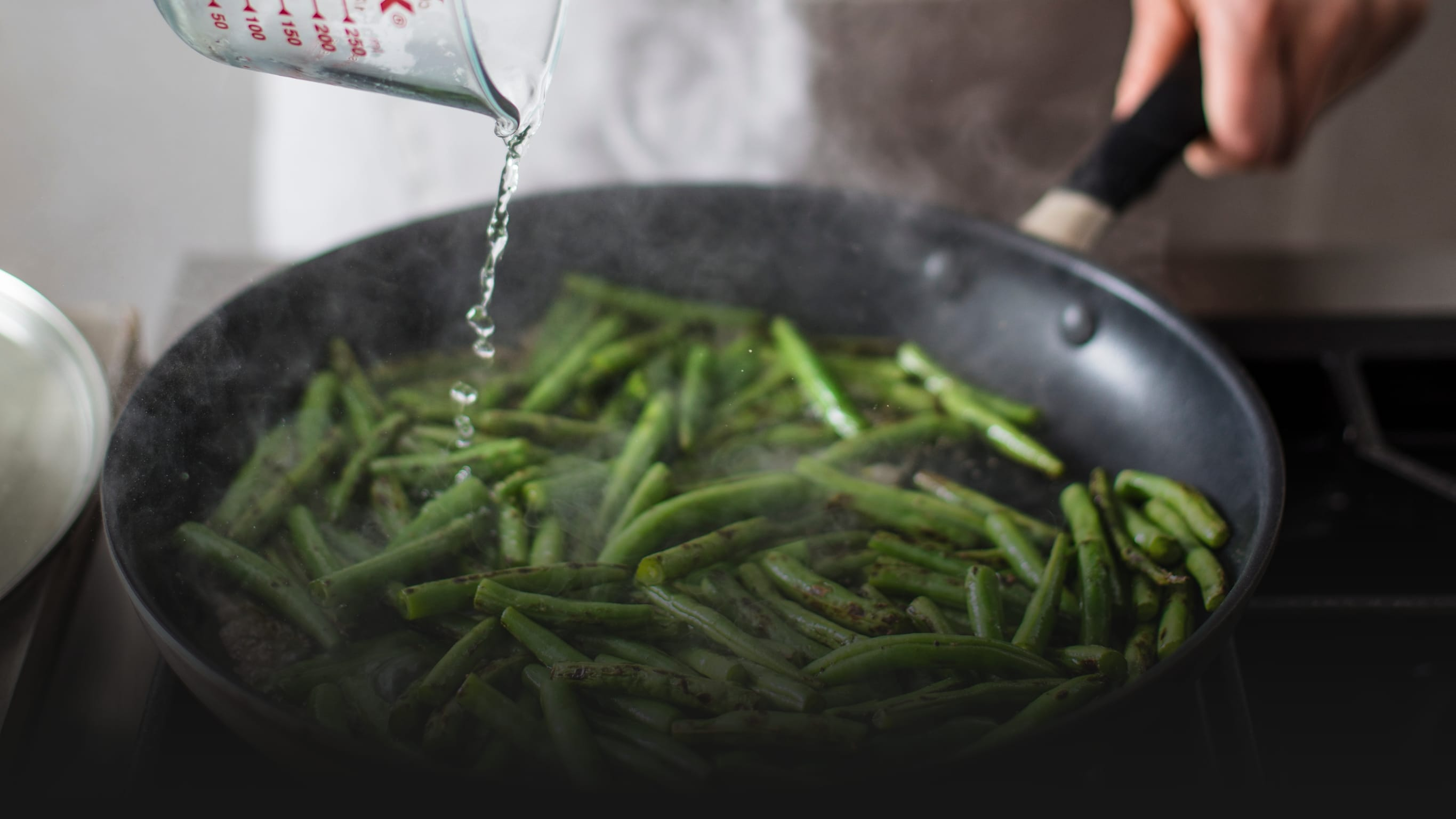 Water Is the Key to Crispy, Browned Green Beans