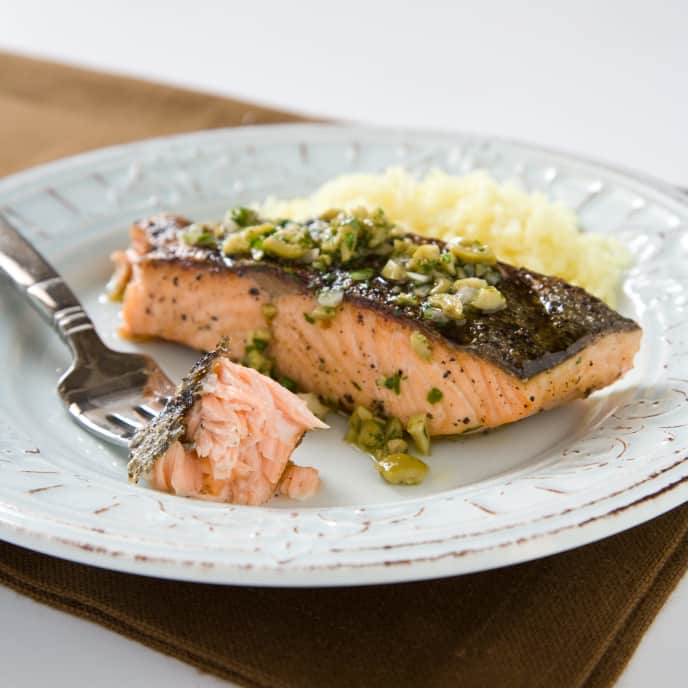 Charcoal-Grilled Salmon Fillets