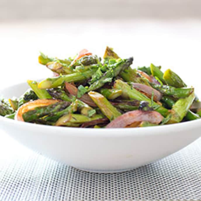 Stir-Fried Asparagus with Red Onion