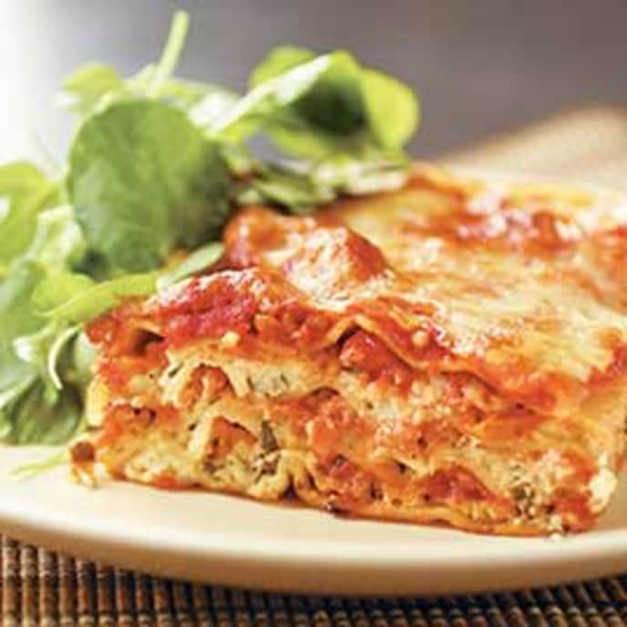 Simple Lasagna with Hearty Tomato-Meat Sauce
