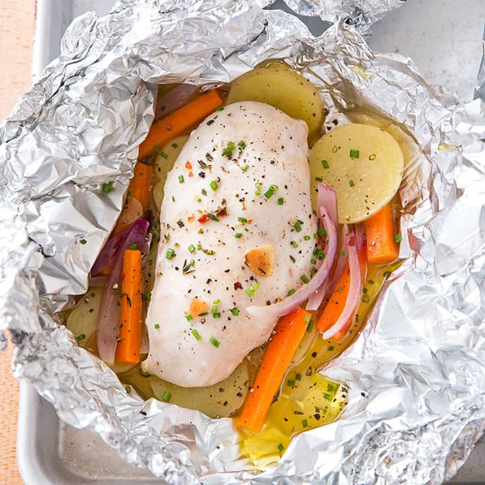 Chicken Baked in Foil with Potatoes and Carrots