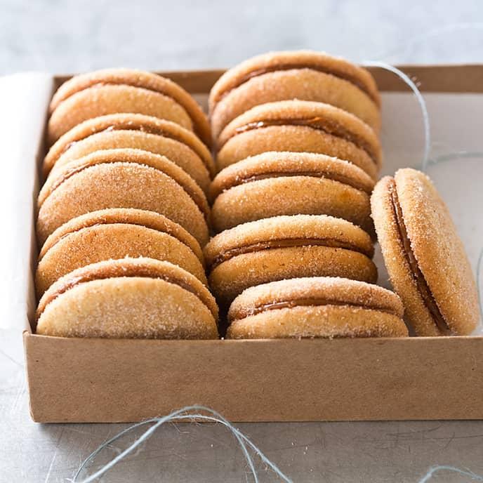 Dulce de Leche and Cinnamon Sandwich Cookies