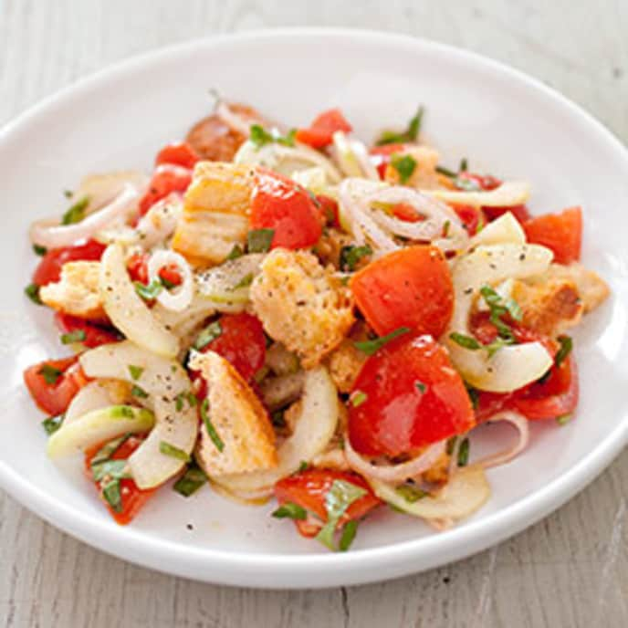 Italian Bread Salad (Panzanella) with Garlic and Capers
