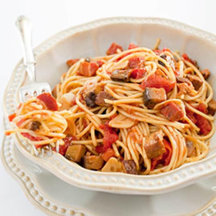 Spaghetti with Mushroom and Tomato Sauce (Quick Mushroom Ragu)