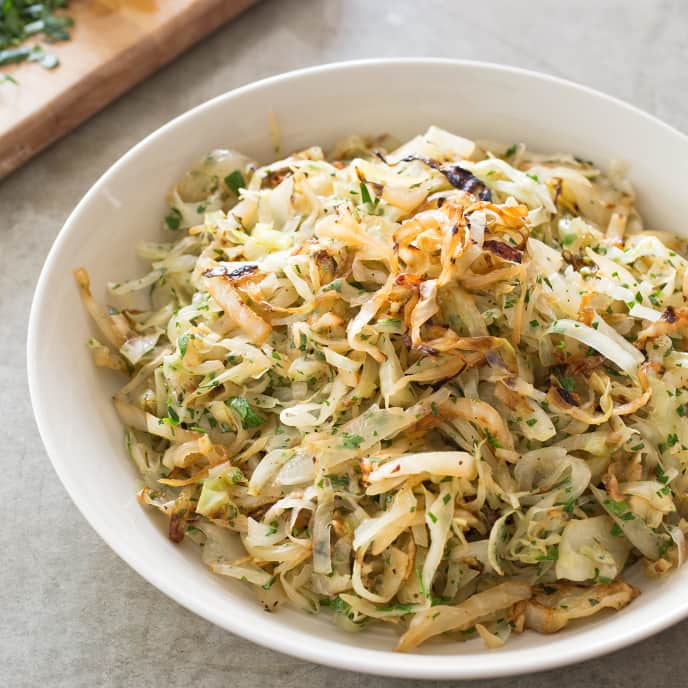 Sautéed Cabbage with Fennel and Garlic