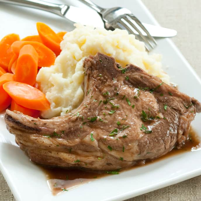 Red Wine-Braised Pork Chops