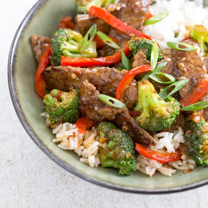 Stir-Fried Beef and Broccoli With Oyster Sauce
