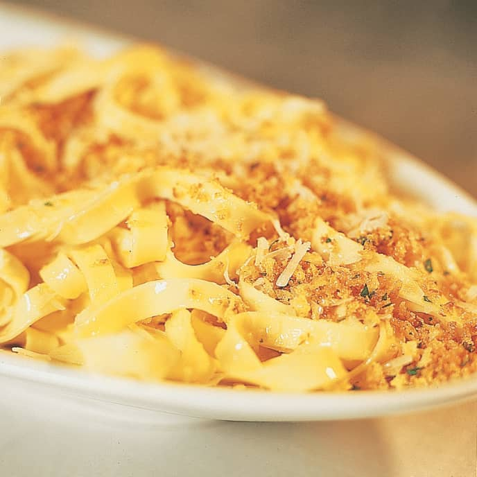 Pasta with Garlic, Oil, and Toasted Bread Crumbs