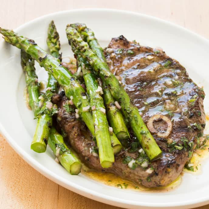 Paleo Grilled Lamb Chops with Asparagus