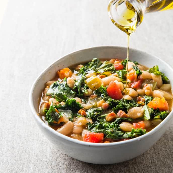 Slow-Cooker Tuscan White Bean Stew