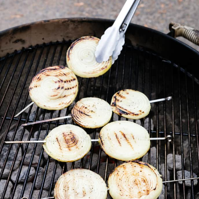 Charcoal-Grilled Onions