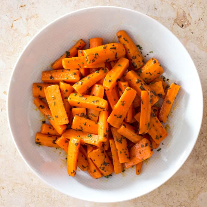 Boiled Carrots with Mint and Paprika