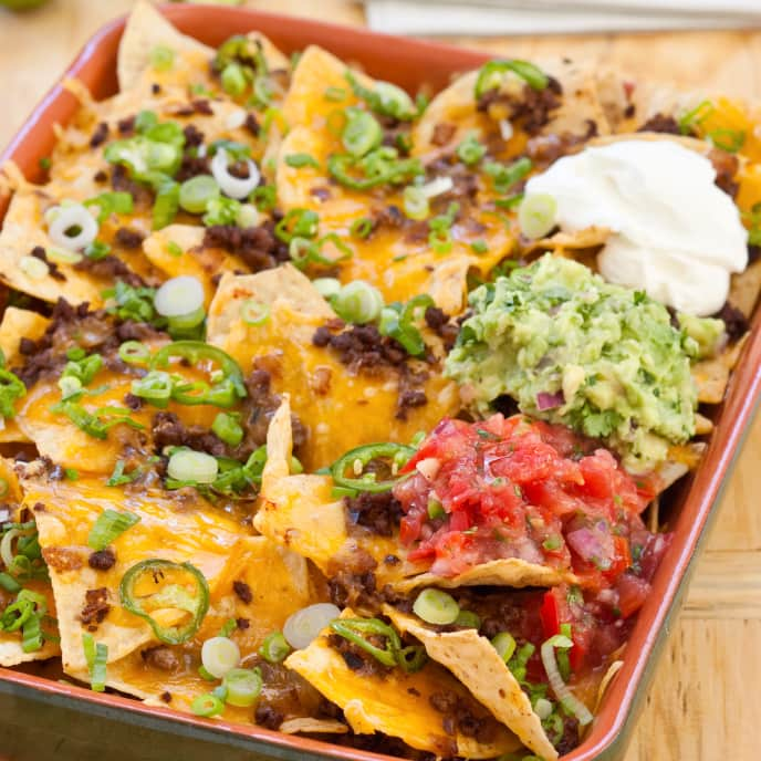 Cheesy Nachos with Spicy Beef
