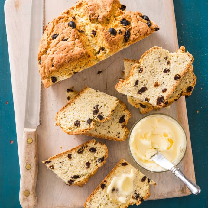 American-Style Soda Bread with Raisins and Caraway