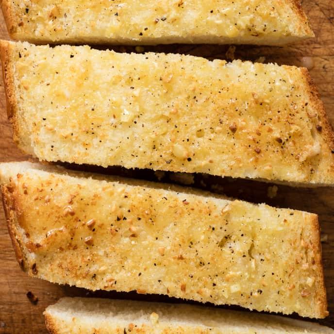 Classic American Garlic Bread