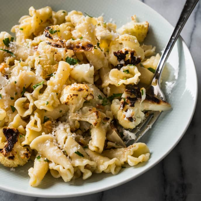 Pasta with Roasted Cauliflower, Garlic, and Walnuts