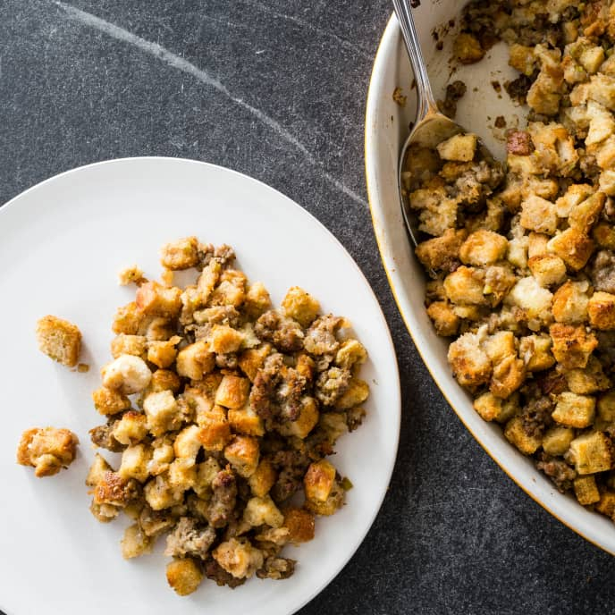 Simple Holiday Stuffing with Sausage