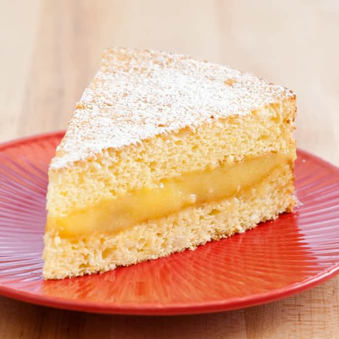Sponge Cake with Rich Lemon Filling