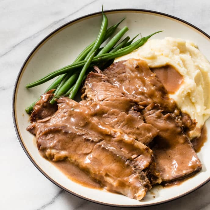 Braised Brisket with Red Wine and Thyme