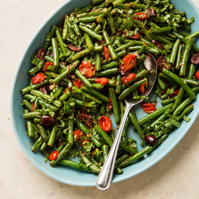 Green Beans with Tomatoes and Olives