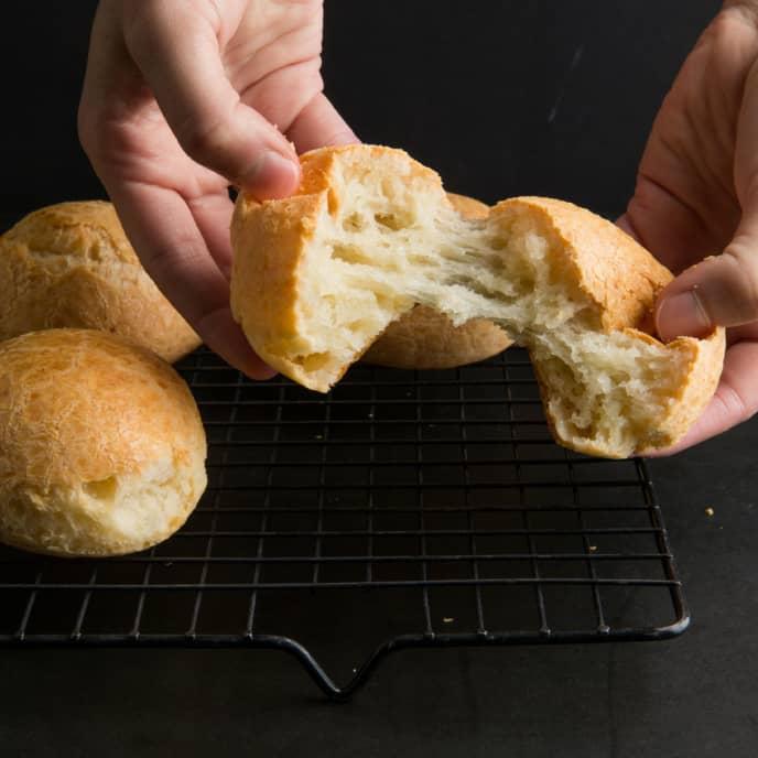 Brazilian Cheese Bread (Pão de Queijo)