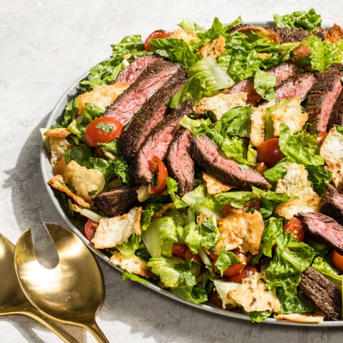 Mediterranean Steak and Pita Salad