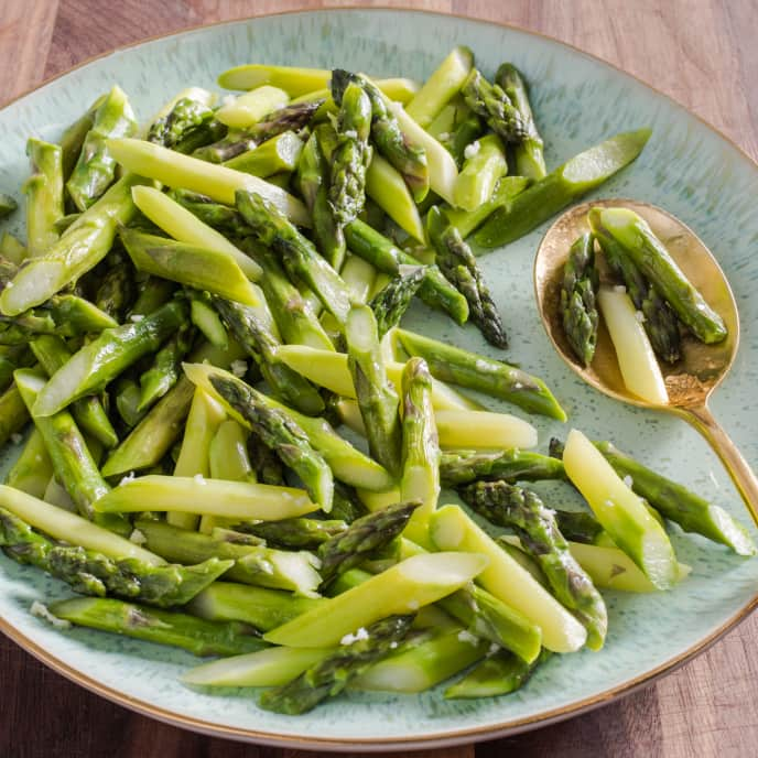 Pan-Steamed Asparagus with Garlic