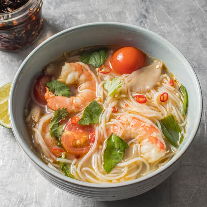 Thai Hot and Sour Soup with Shrimp and Noodles (Guay Tiew Tom Yum Goong)