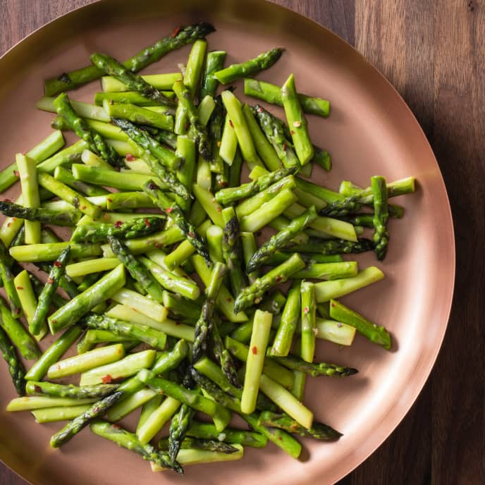 Pan-Steamed Asparagus with Anchovies and Red Pepper Flakes