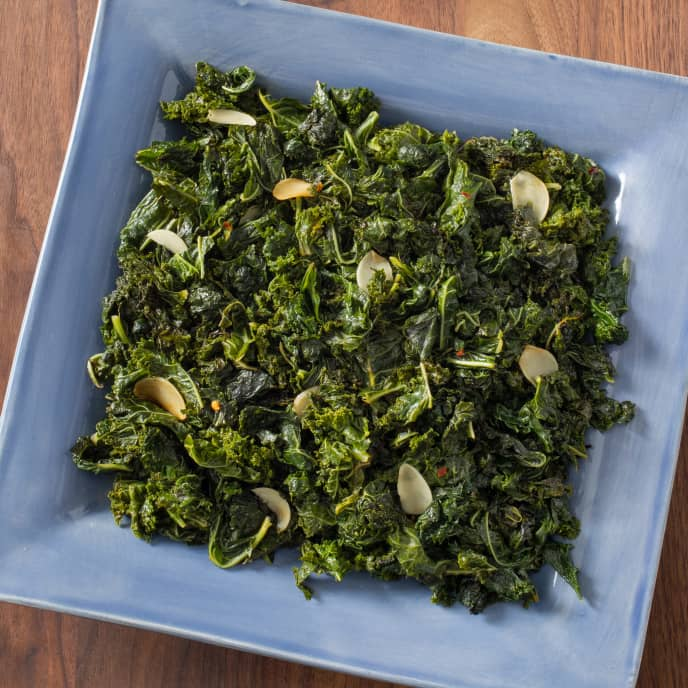 Pan-Steamed Kale with Garlic